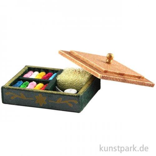 Mini Nähset in Holzkästchen, 3 x 2,5 cm